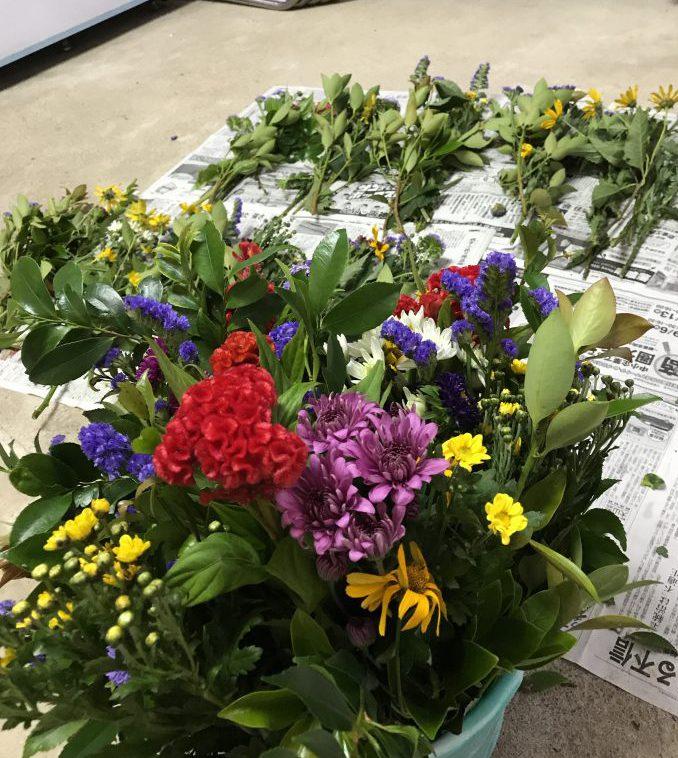 お盆は、お供えのお花でご先祖をお迎えしましょう