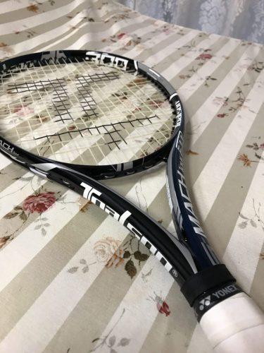 振り抜きがよいトアルソン(TOALSON)/テニスラケット